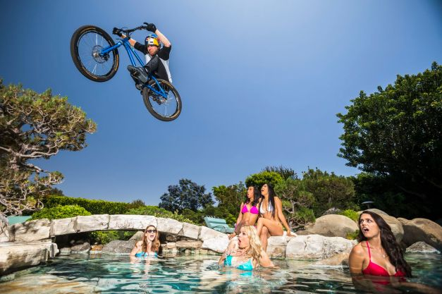 Danny_MacAskill_Playboy_Mansion_007